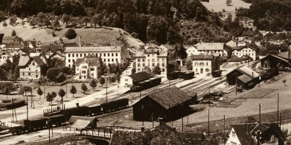 Depotareal mit Wagenremise, Wagenwerkstatt und Lokomotivremise © Chronik Bauma