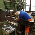 Herstellung eines neuen Stossbalkens in der Werkstatt in Uster